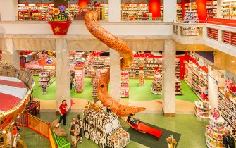 Slide Hamleys Store Prague